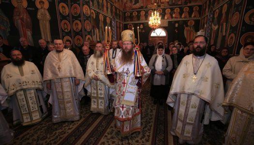 Hramul bucuriei cerești la Mănăstirea Dumbrăvioara