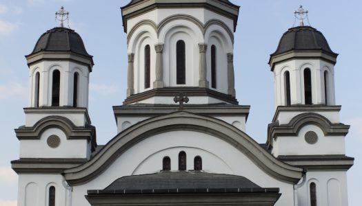 """PS Andrei a oficiat Sfânta Liturghie la Catedrala Episcopală """"Sfântul Ierarh Nicolae și Acoperământul Maicii Domnului"""" din Miercurea Ciuc."""
