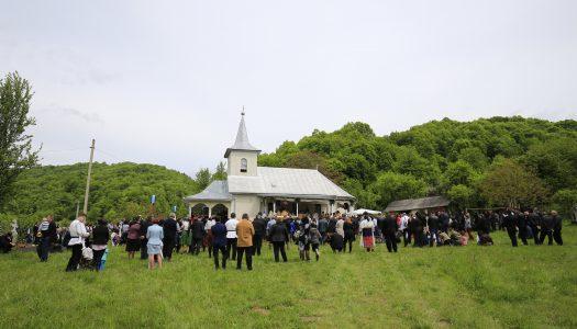 """""""Sărbătoarea fiilor satului"""" în localitatea Huta-Chiuiești"""