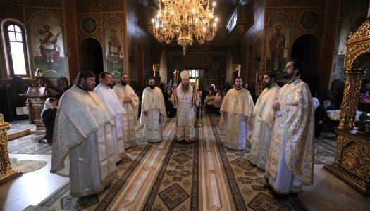 Slujbă arhierească la Catedrala Episcopală din Miercurea Ciuc în Duminica a 21-a după Rusalii.