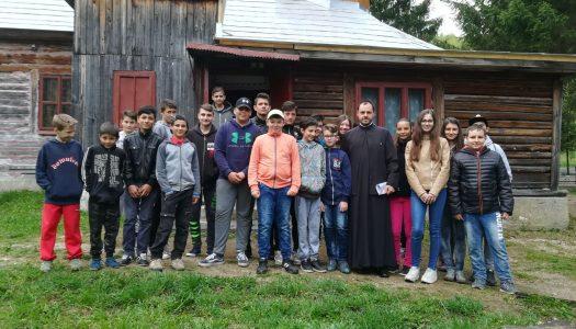 Activități cu tinerii la parohia ortodoxă din Bălan