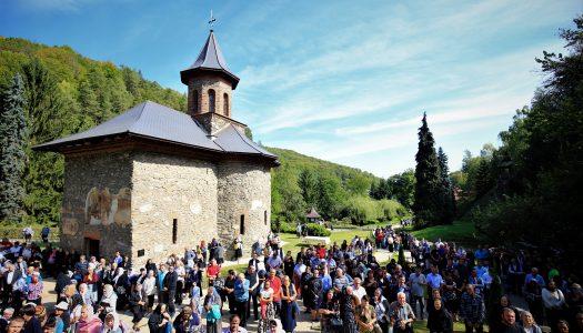 Praznicul Înălțării Sfintei Cruci | Mănăstirea Prislop și-a sărbătorit hramul