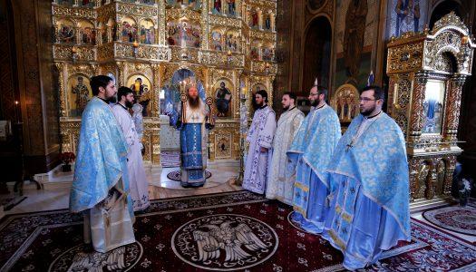 Rolul Profetului în viața omenirii. PS Andrei a oficiat Sfânta Liturghie.