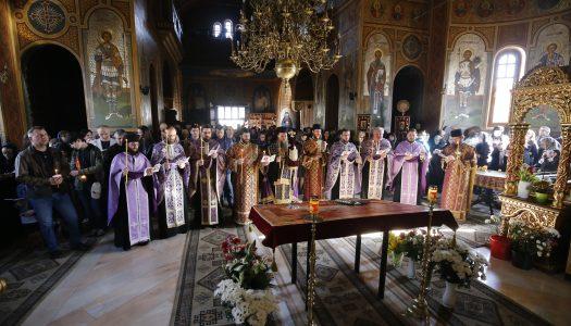 Prohodul Domnului la Catedrala Episcopală din Miercurea Ciuc.