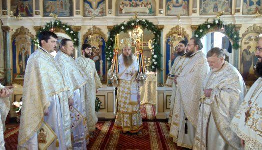 """Resfințirea Bisericii Ortodoxe """"Nașterea Maicii Domnului"""" și """"Sf. Cuv. Parascheva de la Iași"""", din municipiul Gheorgheni"""